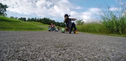【これが大人の三輪車!?】トライク(三輪車)で坂道を下る映像に大興奮!