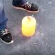 【実験】超高温に熱した鋼のかたまりを凍った湖の上に置いてみた結果……!?