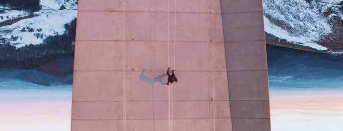 【これは凄い】まるで2Dゲームのよう! フリーランニングを上空からドローンで撮影してみた……!!