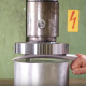 【実験】世界最硬金属アダマンチウムは油圧式プレスで押し潰せるのか!?【ウルヴァリン】