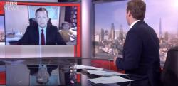 【BBC NEWS】国際情勢のインタビュー中に発生した笑撃的な放送事故!