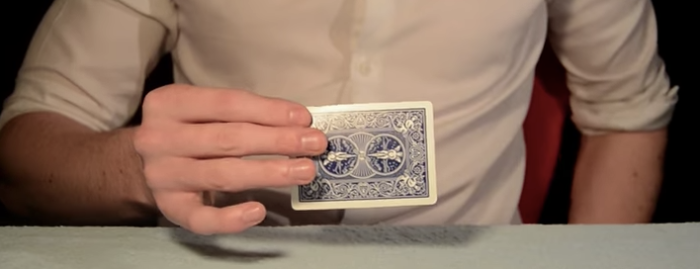 【必見】いきなり出現・消失するカードなど、3つのカードマジックを種明かし!