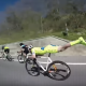 まさにスーパーマン!  うつぶせ姿勢でサイクリストをごぼう抜きする選手が凄い!!