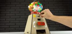 【DIY】これは楽しい! ガムボール自販機をダンボールで自作する方法!