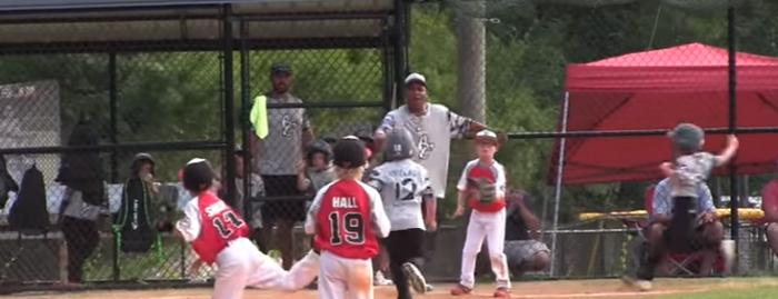 【野球】ほぼ一人でトリプルプレーを決めてしまった6歳の少年が全米で話題に!!