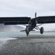 【驚異】まだあなたが見たことのない瞬間! 「滑走せずに着陸する飛行機」