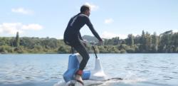 【夢の自転車】こういうのを待ってた! 水上を走る電動アシストバイク「Hydrofoiler」
