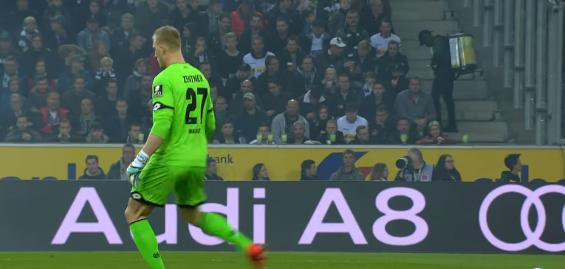 マインツGKが犯した歴史的なミスに世界中のサッカーファンが失笑!