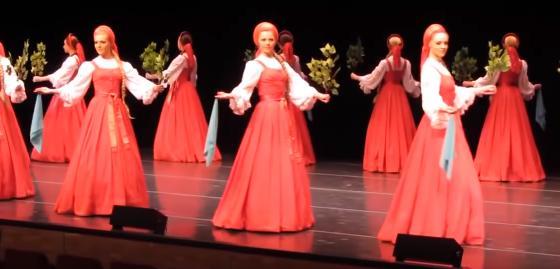 【ロシア】まさか飛んでいる!? 舞踊団「ベリョースカ」のダンスが凄過ぎる!