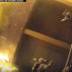 【衝撃映像】炎に包まれるバルコニーから落下する子どもを救った消防士