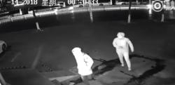 おそるべきアホ……抜群にマヌケな強盗を監視カメラが捉える!