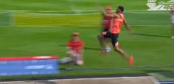脅威の身体能力! 走り幅跳びで9mに届きそうになるキューバ選手
