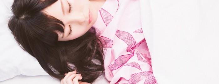 【修羅場】彼女&親友と酒飲んだ夜中、目を覚ます……彼女「あ…んっ」俺「マジかよ…」