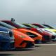 世界最高峰のスーパーカーが集合!勝者はどの車? ドラッグレース