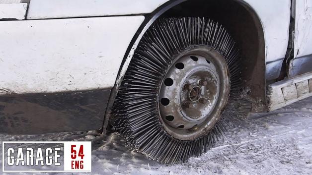 【改造】お手製スパイクタイヤ! 3,000本の釘をホイールに溶接して、雪の上を走ってみた