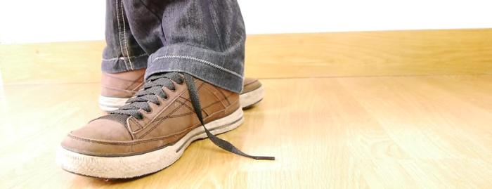 手を触れずに靴ひもが一瞬で結ばれるマジック その種明かし!
