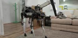 あれ、なんかカワイイぞ? BostonDynamics社の4足歩行ロボット「SpotMini」が話題に!