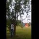 爆発物を詰め込んだ冷蔵庫を狙撃……距離をとっていた男性が死にかける!?