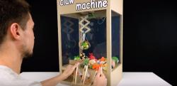 【DIY】ダンボールと注射器で作る!? クレーンマシンのクオリティが凄い!