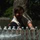 【恐るべき切れ味】日本刀でペットボトルを一刀両断! スローモーション撮影