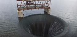 ダム穴「グローリーホール」の中へドローンで潜入してみた!