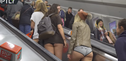 【衝撃】パンツ丸出し……ロンドンの地下鉄で一体何が!?