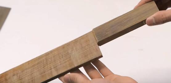 【海外で話題】世界で一番硬くて重い木材で包丁を作ったら……?
