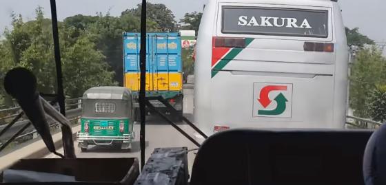 【交通事情】バングラデシュの「あおり運転」があり得ない酷さ……