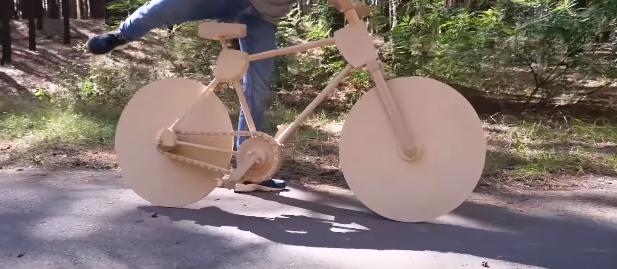 【DIY】乗れる! 漕げる! 木で作った自転車のクオリティが凄い!!