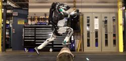 【未来】最新の二足歩行ロボット、軽快に走ってパルクールをこなす!!