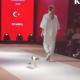 ファッションショーに猫が乱入! 「キャットウォーク」を猫が歩く!?