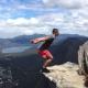【バク宙】断崖絶壁! 世界一危険なバックフリップ