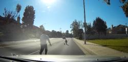 【ヒーロー】大惨事を未然に防ぎ、幼児を救ったドライバーの対応に心を打たれる!!